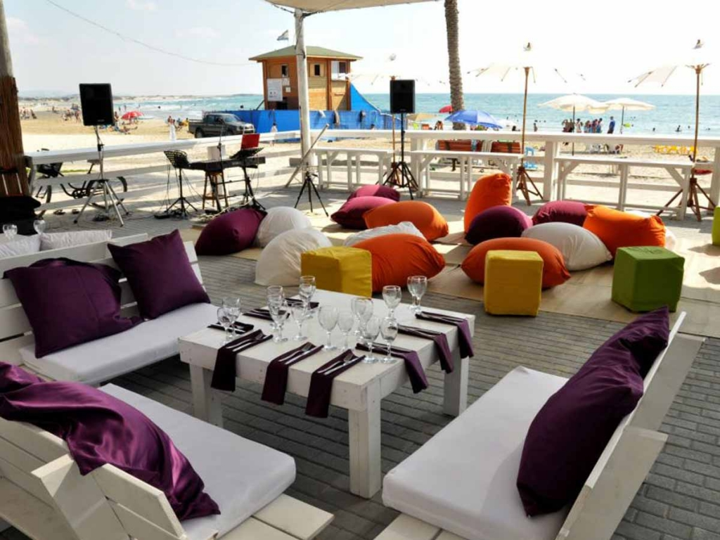 מתחם חוף עסקי